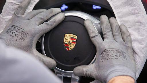 Porsche riding