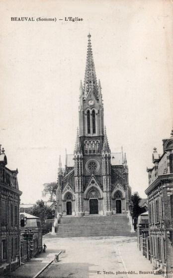 Place de l'église sans le monument aux morts