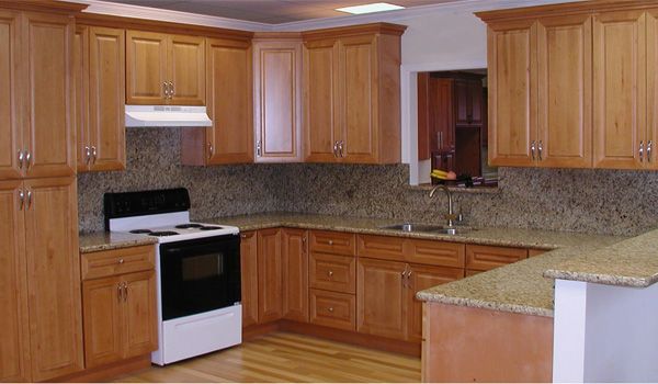 Honey Maple Cabinets - Beaverton Kitchen Cabinets & Stone Inc. on Countertop Colors For Maple Cabinets  id=74793