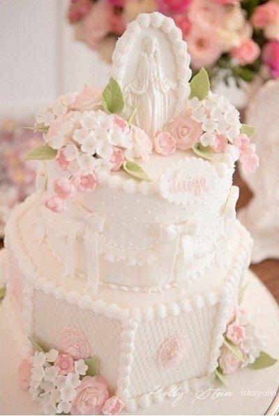 bolo de batizado mais lindo do mundo rosa com branco