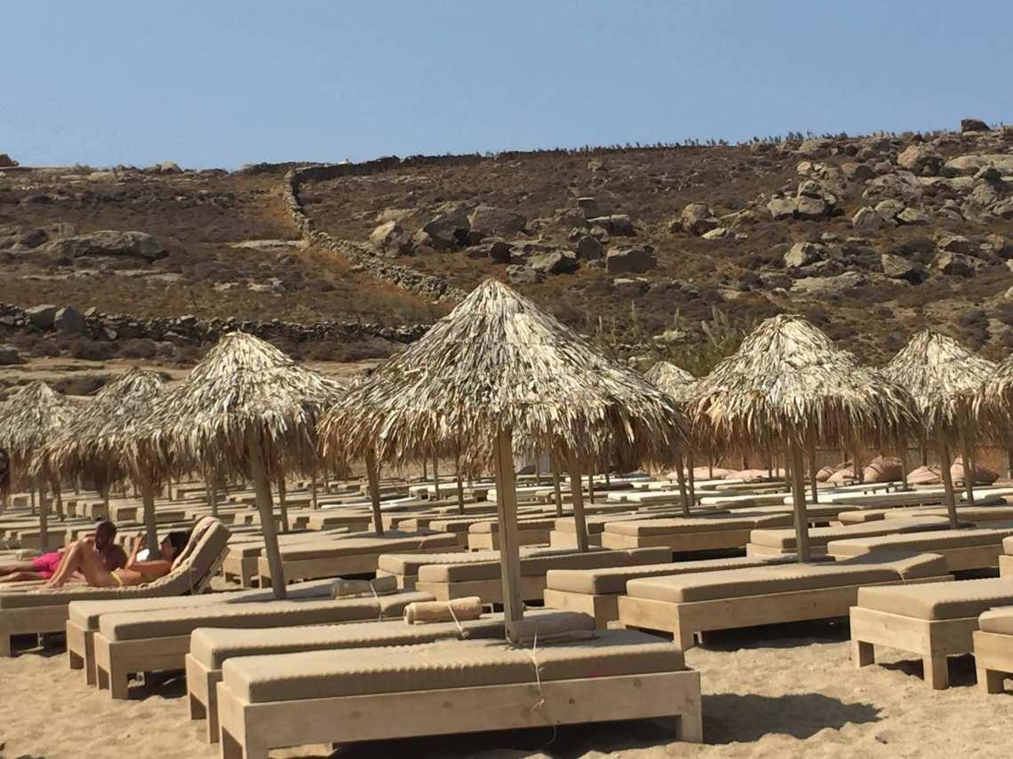 lia beach-mykonos