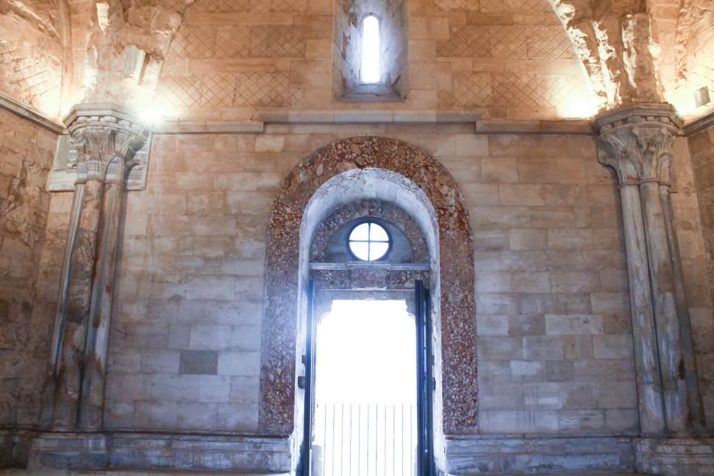 castel del monte finestra