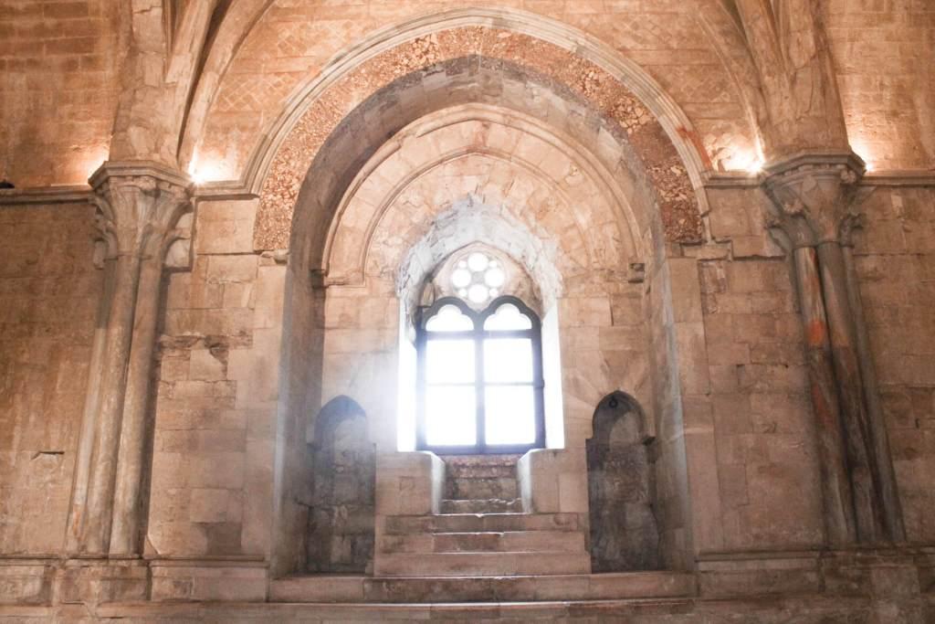 castel del monte finestra trifora