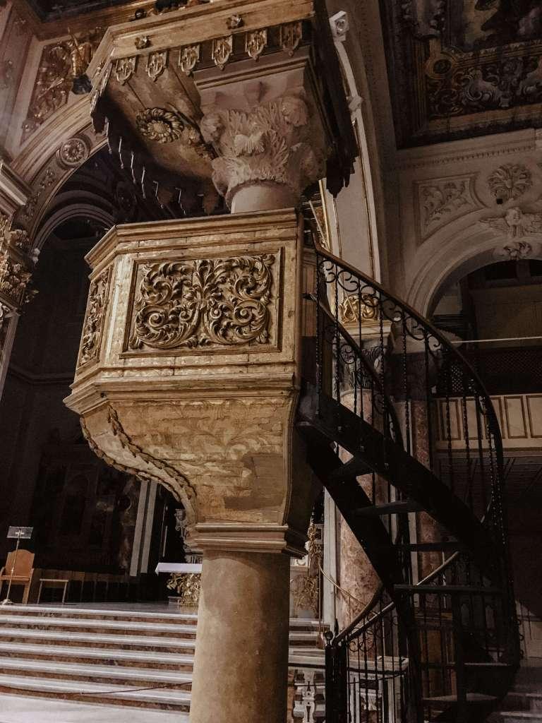 particolare della cattedrale di matera
