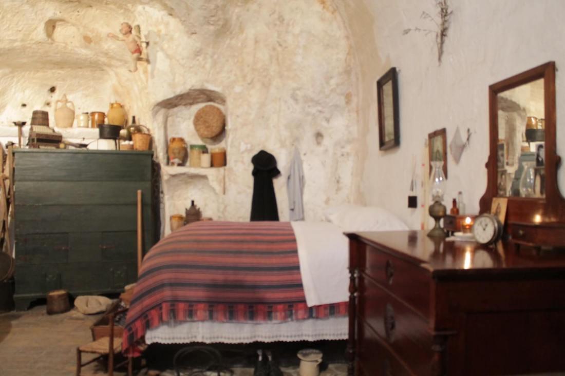 casa grotta di vico solitario matera