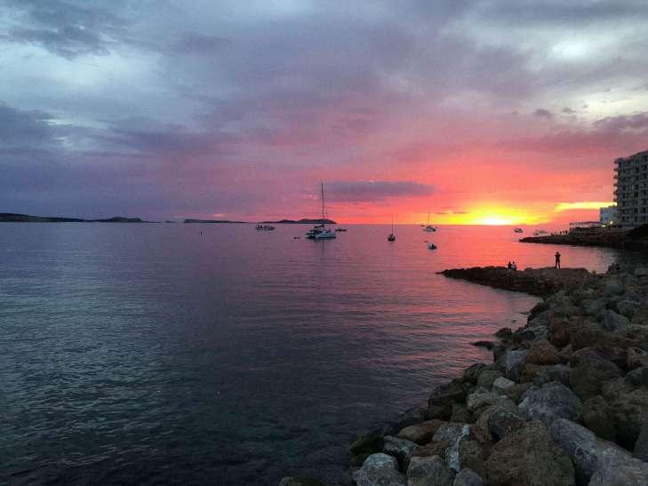 foto ibiza-sant antonio-tramonto-citta vecchia-6-min