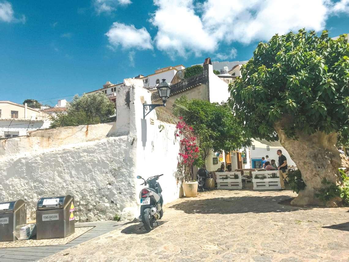 centro di Ibiza-stradine-tradizione