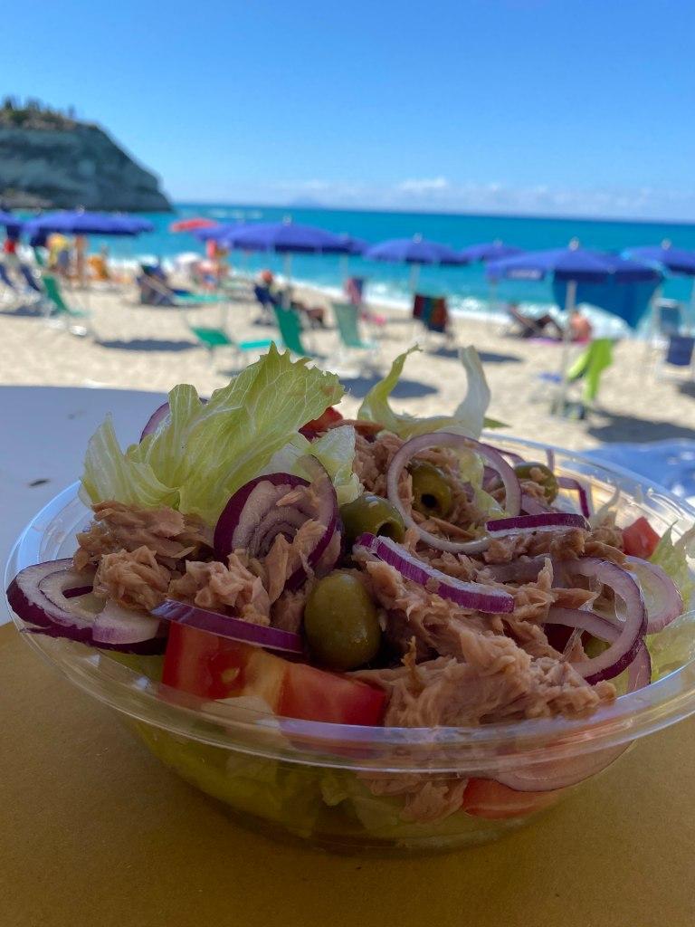 mangiare in Calabria la cipolla di Tropea