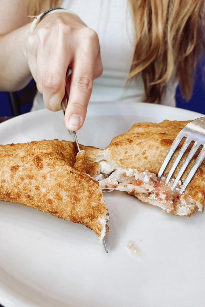 Fried pizza in Naples: where to eat it