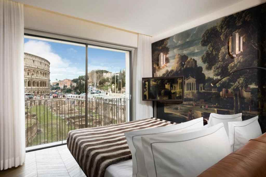 palazzo Manfredi-Hotel with Colosseo view in Rome