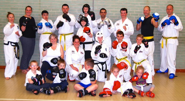 sparring-practice-beccles-taekwondo-2