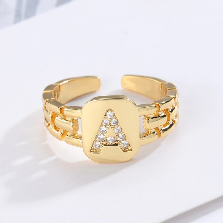 Custom English Letter Ring Premium Quality Ring With Crystal Inlaid Initial Bling Jewelry Gift To Your Daughter Fancy Birthday Gift To Young Girl Women's Jewelry For Regular Use