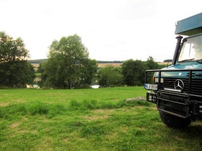 Grünimog am See bei Pfordt, nahe Schlitz.