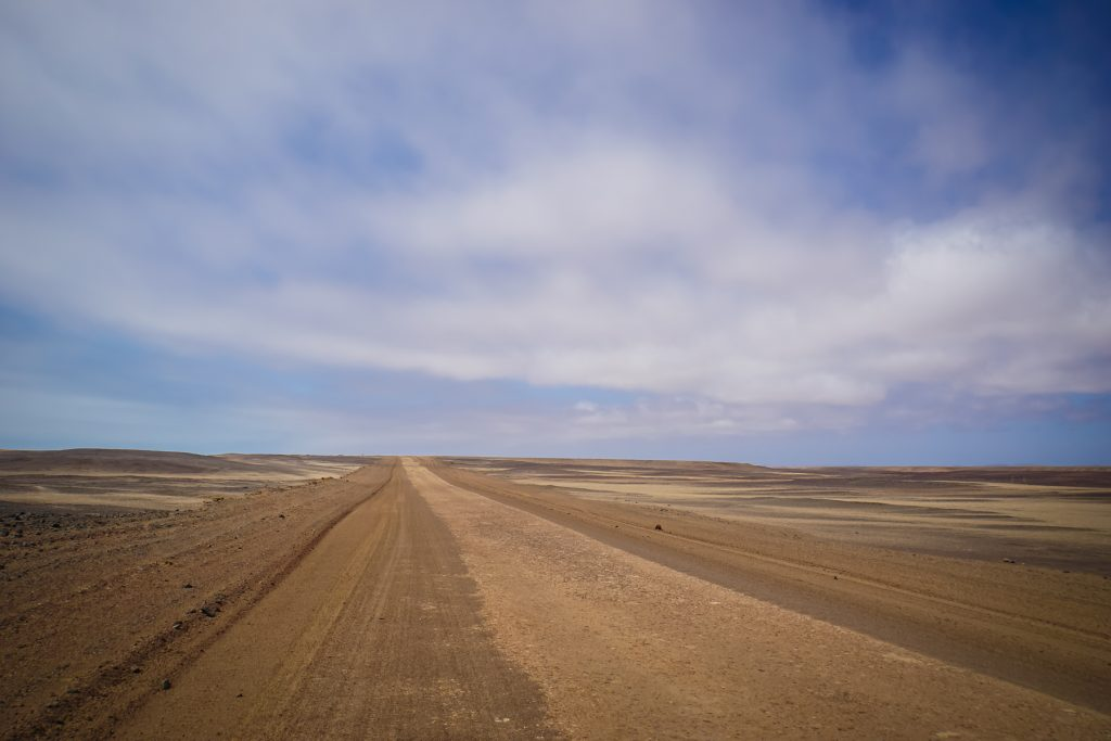 Schotterpiste entlang der Skelettküste