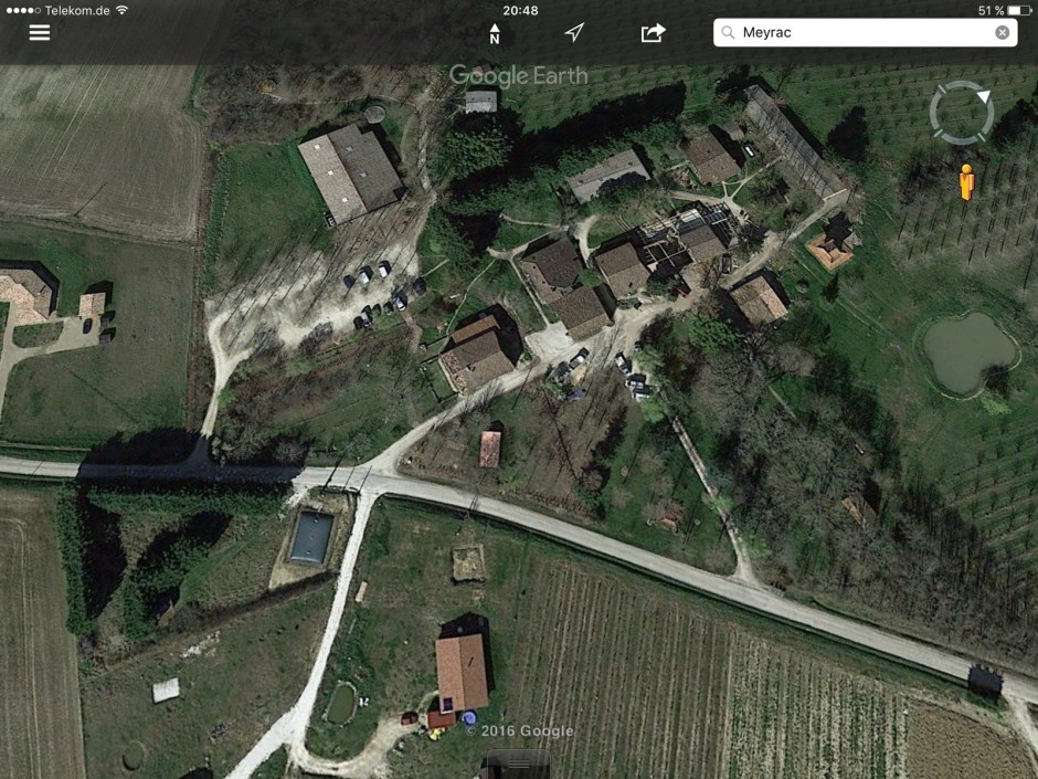 Plum Village in Google Earth-Sicht