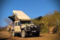 Land Rover Defender mit Zeltdach