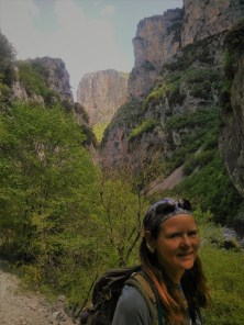 Beate in der Vikos-Schlucht