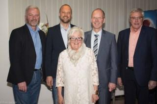 Bild mit einem guten Team, die Bürgermeister der VG. Andreas Rath war der erste Gratulant!
