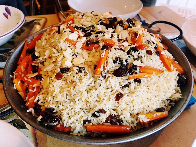 Presentation of the Afghan goat dish