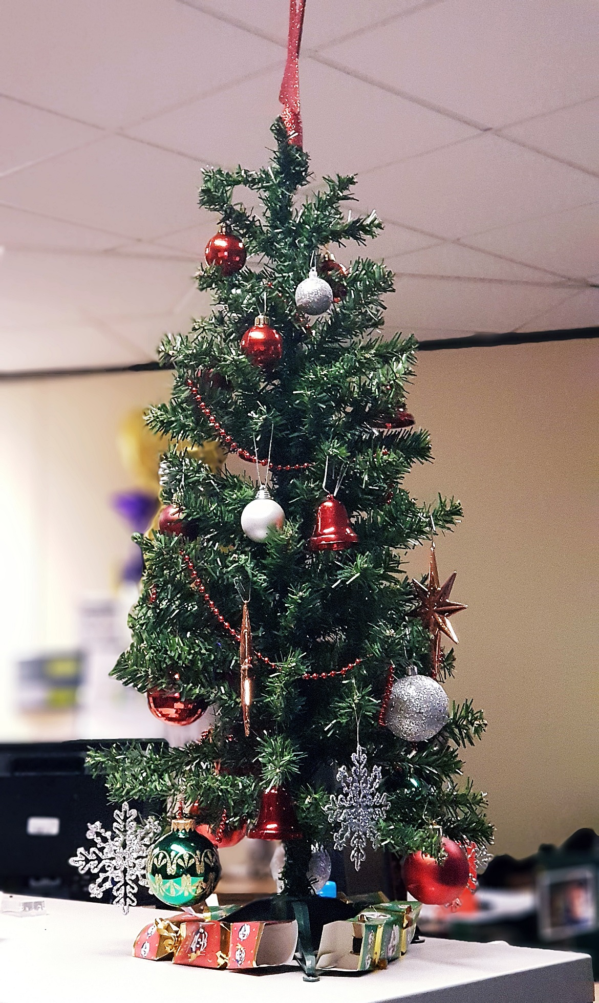 Work Christmas tree - December Monthly Recap by BeckyBecky Blogs