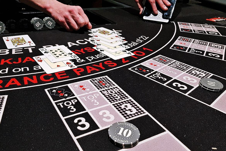Losing a hand - Grosvenor Casino Leeds review by BeckyBecky Blogs