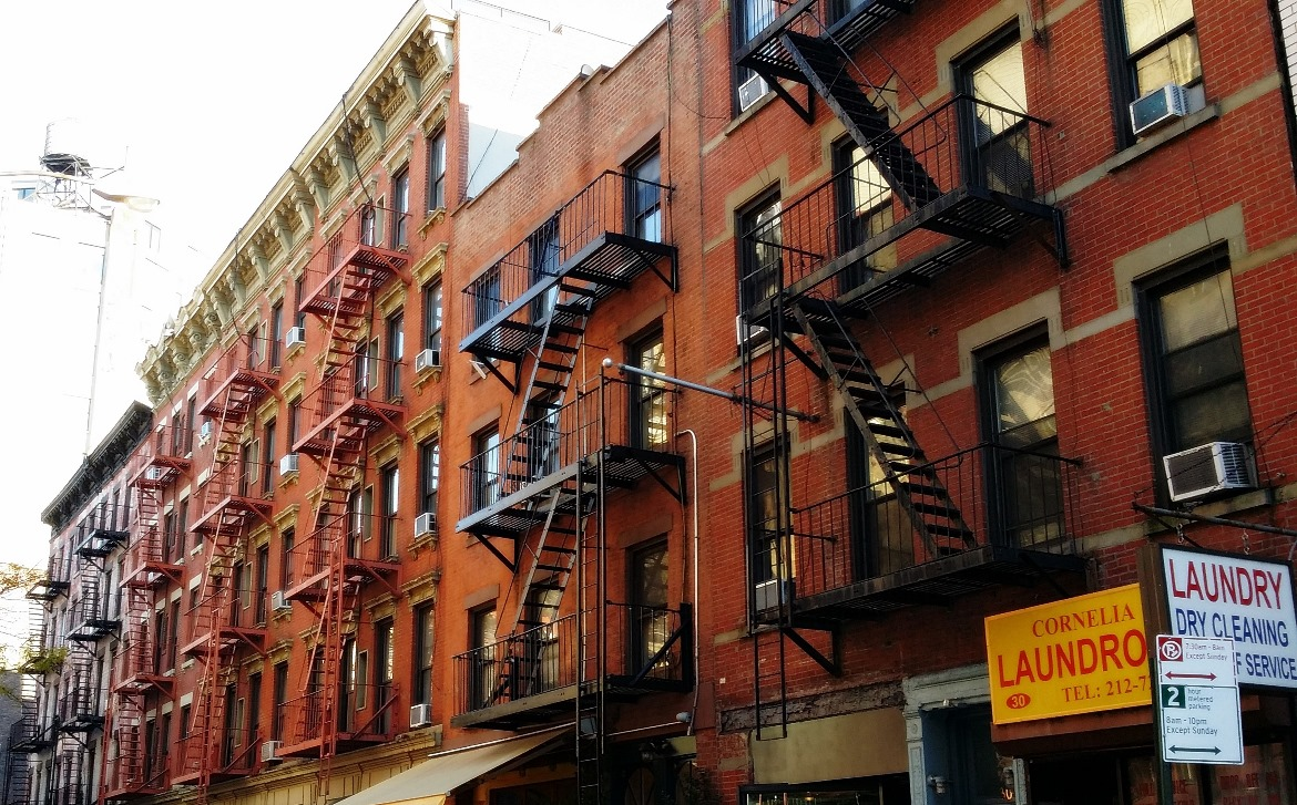 Fire escapes - New York New York, travel blog by BeckyBecky Blogs