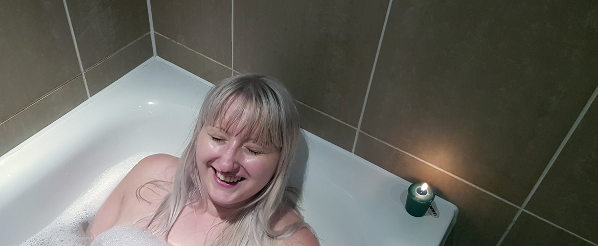"Posing - My ""Perfect"" Night In with Sanctuary Bathrooms by BeckyBecky Blogs"