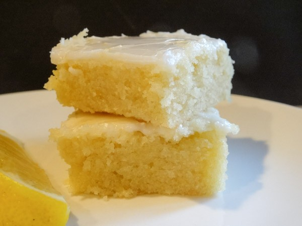 Lemon-Brownie-Bars