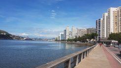 Vista parcial do Porto de Vitória e cidade de Vila Velha.