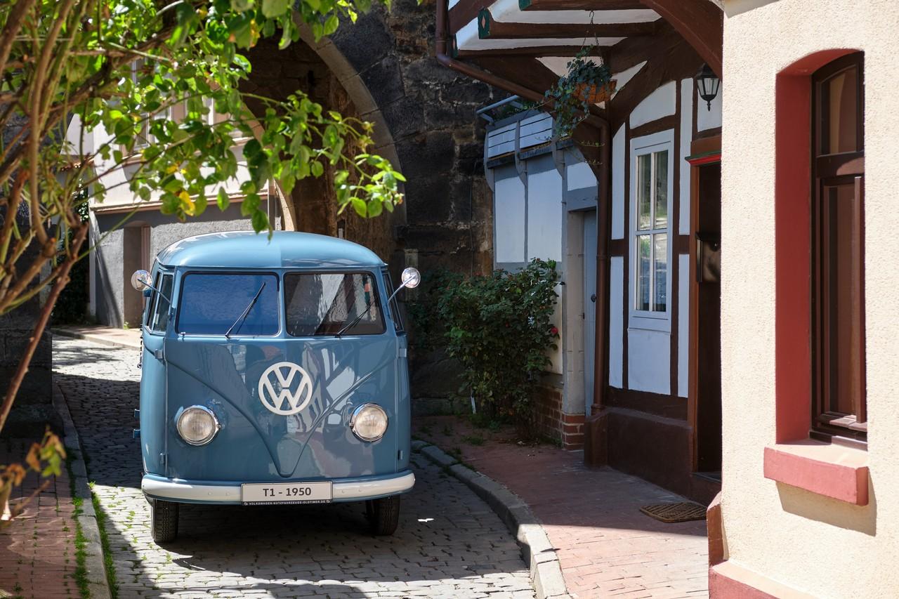 Sofie le plus vieux VW Combi fete ses 70 ans 2 BeCombi
