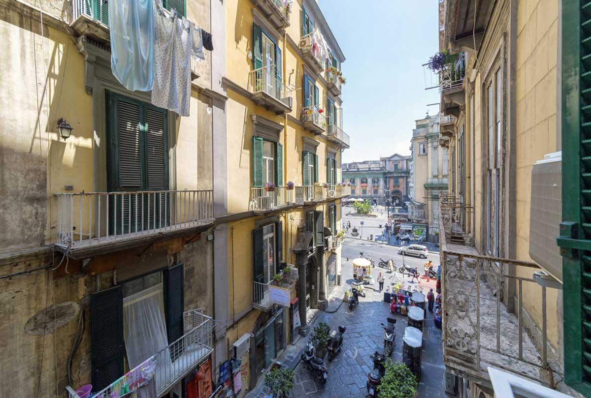 Dante Maison de Charme, B&B a Napoli (il quartiere)