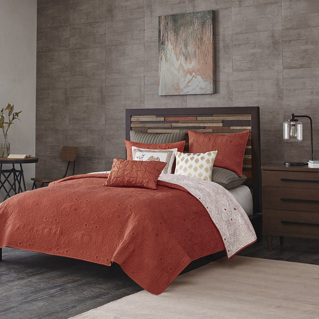 Kandula Coral Coverlet By Ink Amp Ivy Bedding