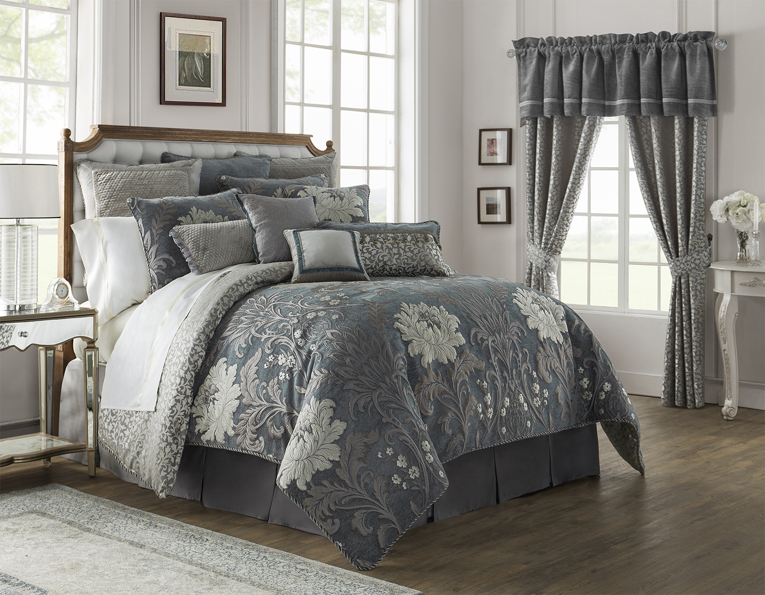 Black And Comforter White Gold
