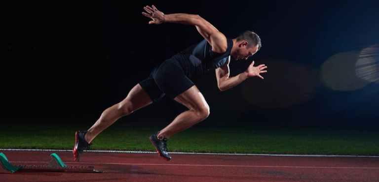 """Le fait d'avoir les muscles déjà échauffer dés le début de l'entrainement va nous permettre de donner directement la réel puissance que possèdent nos divers muscles car ci ces derniers ne sont pas chaud au début de l'entrainement, les premières minutes de échauffement vont servir pour eux d'échauffement et de plus, le risque de blessures est plus élevé puisque l'intensité sera peut etre trop élevé pour que cela serve """"d'échauffement""""."""