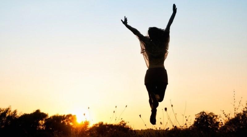 Sachez être positif même si la situation que vous traversez n'est pas très joyeuse dans l'ensemble. Il faut savoir être heureux de vivre et se contenter de ce que l'on à. Cette vision de la vie vous aidera à vaincre cette addiction.