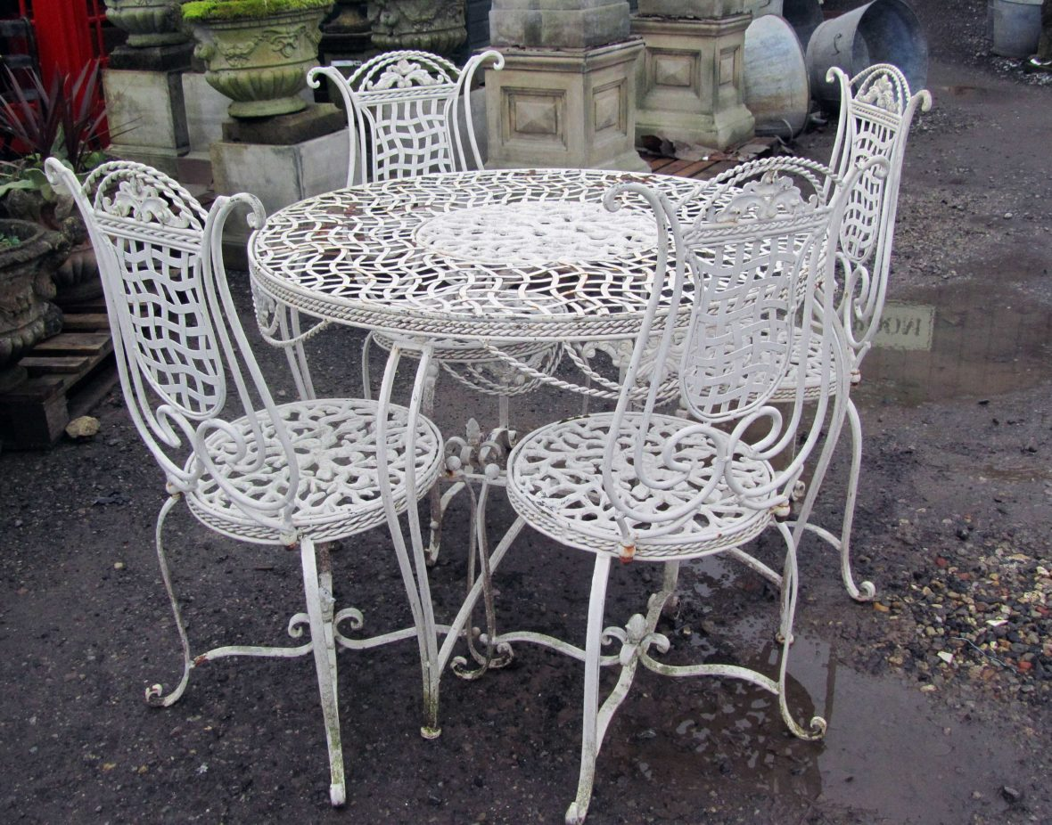 vintage cast iron table and chairs