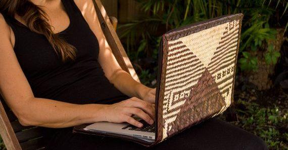 palm-leaf-laptop-case-in-use