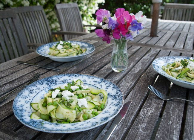 CourgettePeaPestoPasta_Table