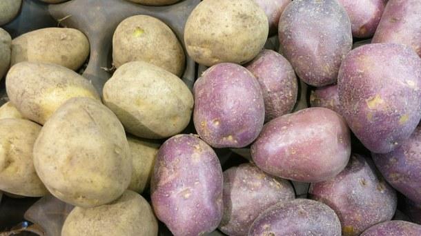 White and red potatoe