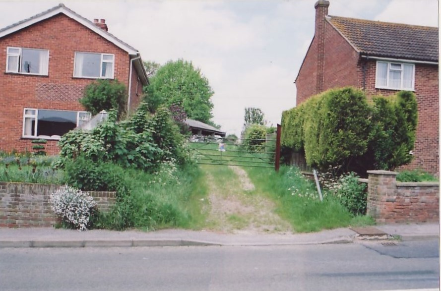 The former site of Wesleyan Chapel and used as access to a modern barn. Photo taken circa 2001.