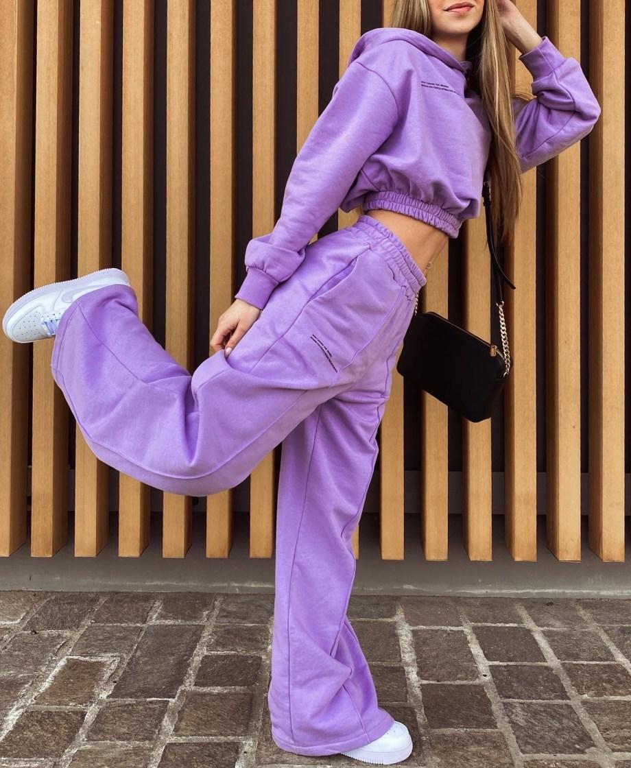 Pantalone palazzo + Felpa cropped con cappuccio