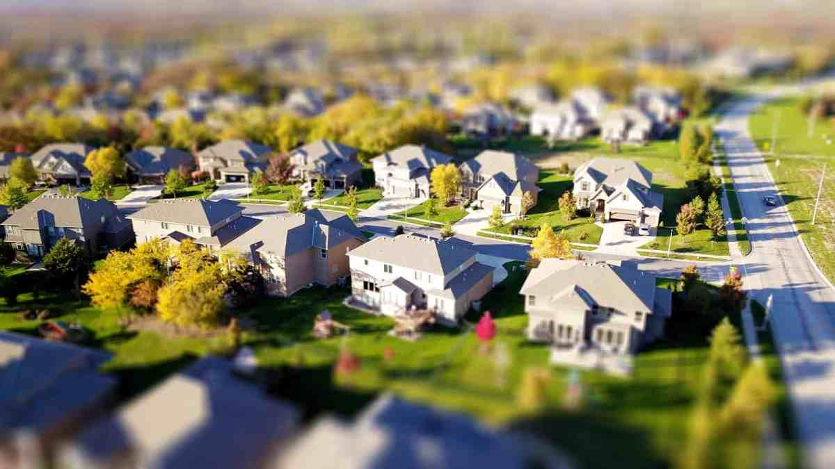 Getting Into The Real Estate Market