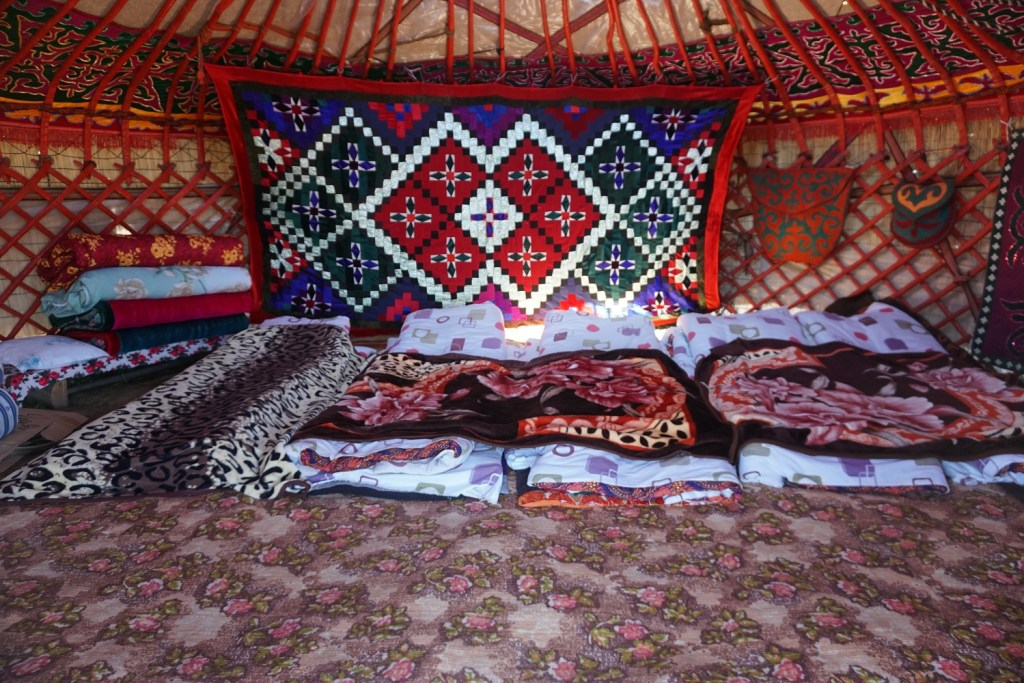 yurt song kul