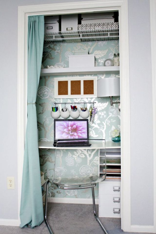 bureau dans un placard