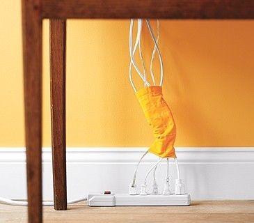 rassembler les fils électriques avec une vieille chaussette coupée