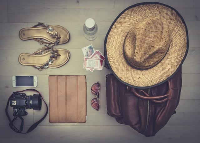 préparer son départ en vacances - liste des indispensables à faire avant de partir en vacances.