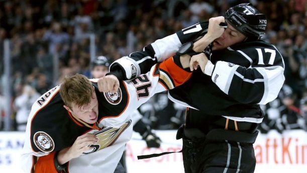 093015-NHL-Anaheim-Josh-Manson-Kings-Milan-Lucic-MM-PI.vresize.1200.675.high.68