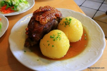 schäuferla pork shoulder with dumplings