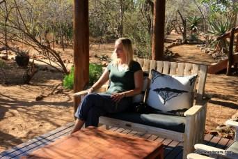 blond_beauty_safari_camp