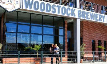 girls outside woodstock brewrey